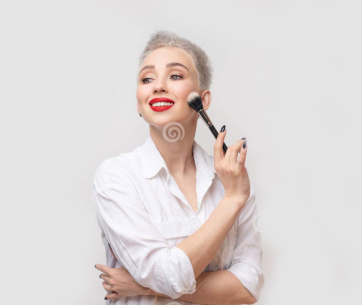 مراقبت پوست ، پاکسازی پوست ، میکاپ پوست ، آرایش پوست ، دوره خودآرایی